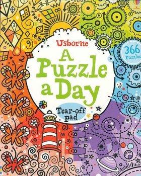 A Puzzle a Day-Clarke Phillip
