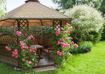 Altana ogrodowa – jaką wybrać? Ile kosztuje? Przegląd nowoczesnych altan ogrodowych