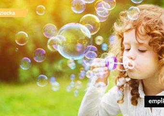 Bańki mydlane – pomysł na zabawę z dzieckiem