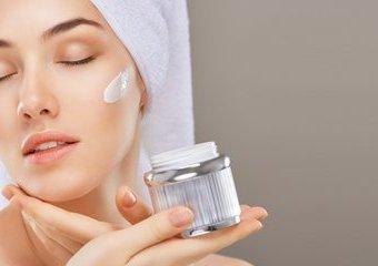 Witaminowe i naturalne kosmetyki - jak wspomagają urodę?