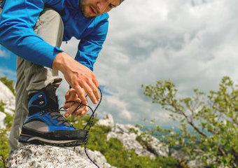 Buty trekkingowe – jakie buty wybrać do chodzenia po górach? Poradnik