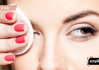 Czym zmyć tusz wodoodporny, by nie podrażnić oczu?