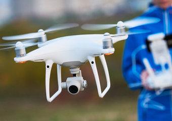 Dron z kamerą – na co zwrócić uwagę przy zakupie?