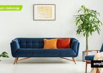 Granatowa kanapa w salonie — pomysły na aranżację
