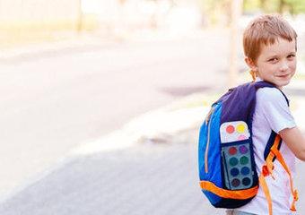 Jak krok po kroku oswoić dziecko ze szkołą?