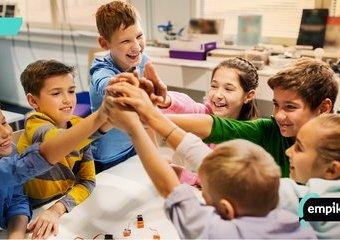 Jak przygotować dziecko do szkoły z pomocą planszówek?
