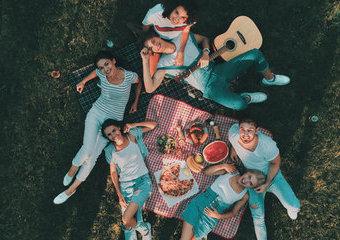 Jak urządzić piknik i grill w stylu eko? Otwórz się na ciekawe pomysły!