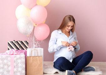 Jak wybrać prezent dla przyszłej mamy – 10 propozycji