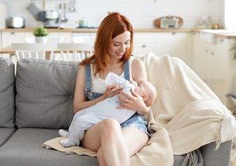 Jak wybrać smoczek do karmienia dziecka?