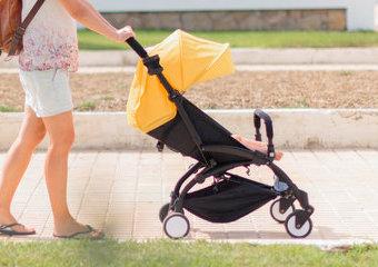 Jak wybrać wózek spacerowy? Przegląd dobrych i lekkich spacerówek