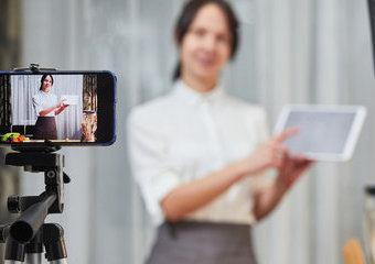 Jak zrobić dobre zdjęcie do CV w warunkach domowych?