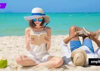 Jaką książkę zabrać nad morze, w góry, nad jezioro? Powieści dobrane do wakacyjnych kierunków