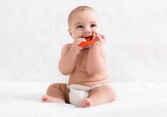 Jaki gryzak wybrać dla ząbkującego dziecka?