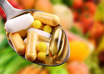 Jakie suplementy diety są polecane dla wegan i wegetarian?