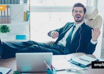 Jakiej muzyki słuchać w pracy, by być bardziej produktywnym?