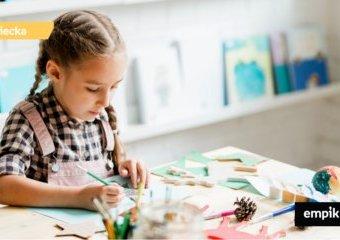 Kącik plastyczny w pokoju dziecka – co przyda się małemu artyście?