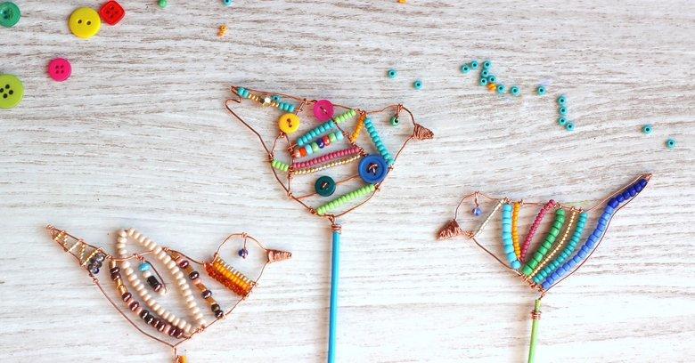 Niesamowite Kolorowe ptaki na szczudłach - użyj drutu i koralików by wykonać NU57