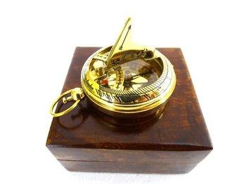 Kompas CPSD2 z zegarem słonecznym, mosiądz w pudełku drewnianym-UPOMINKARNIA