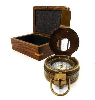 Kompas militarny - inżynierski w pudełku drewnianym Com-0469-UPOMINKARNIA