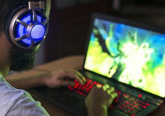 Laptopy z NVIDIA GeForce MX150 – gwarancja płynnego działania sprzętu