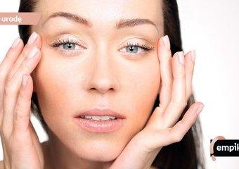 Makijaż dla opadającej powieki: jakie kosmetyki i techniki wykorzystać?