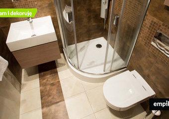 Mała łazienka: jak w niej wszystko pomieścić? Pomysły jak urządzić małą łazienkę