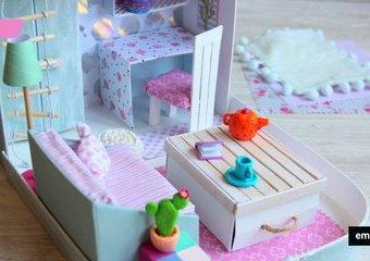 Mobilny domek dla lalek - zabierz go na wakacje
