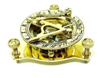 Mosiężny zegar słoneczny z kompasem NC1070-UPOMINKARNIA
