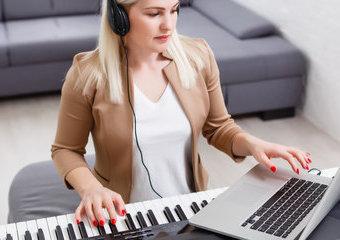 Nauka gry na pianinie – jak nauczyć się grać samodzielnie?