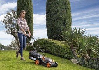 Nowość w Twoim ogrodzie – kosiarka akumulatorowa