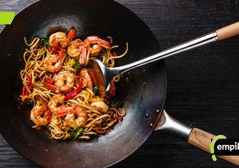 Patelnia wok – na czym polega gotowane w woku? Jaki wok wybrać?