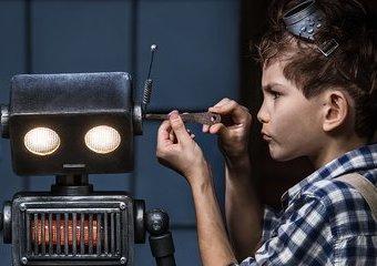 Pobawmy się w przyszłość – zabawki technologiczne