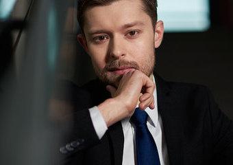 Remigiusz Mróz - prawnik, który został pisarzem