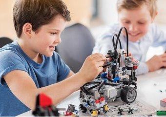 Rozrywka i wiedza dla całej rodziny – zabawki naukowe