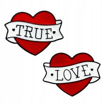 Serduszka - dwie przypinki dla zakochanych z napisem True Love-Pinets