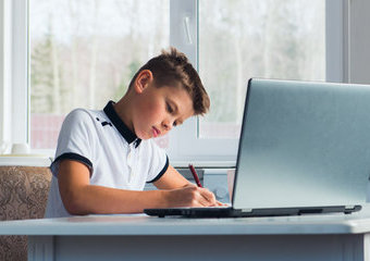 Sprzęt dla ucznia – jakie urządzenia elektroniczne wybrać?