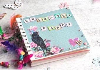 Stwórz własnoręcznie album na zdjęcia - prezent dla Babci