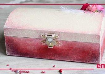 Szkatułka z różanym ornamentem - stwórz upominek dla romantycznej duszy