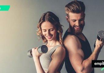 Trening na siłowni dla osób średnio-zaawansowanych. Jak ułożyć plan?