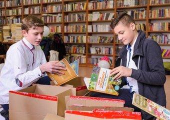 Tysiące książek dla szkolnych bibliotek - prezent od Empiku