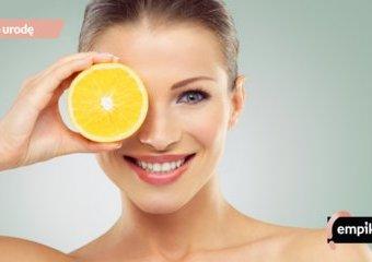 Witamina C dla urody – co daje naszej skórze? Jakie witaminowe kosmetyki wybrać?