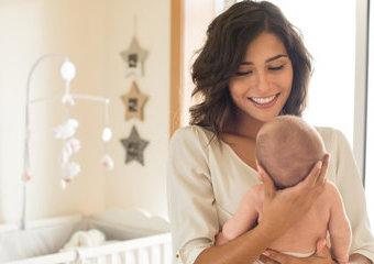 Wyprawka dla młodej mamy - akcesoria dla matek karmiących i kobiet po porodzie