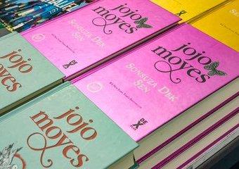 Za co czytelnicy kochają Jojo Moyes?