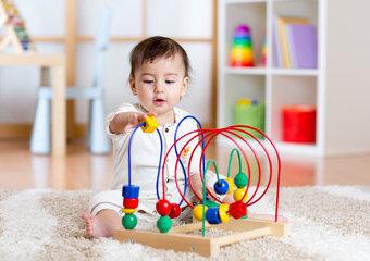 Zabawki edukacyjne dla niemowlaka