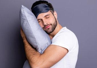 Zadbaj o zdrowy sen i wybierz dobrą poduszkę do spania!